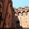 0805 城堡的牆面 怎麼拍都好美