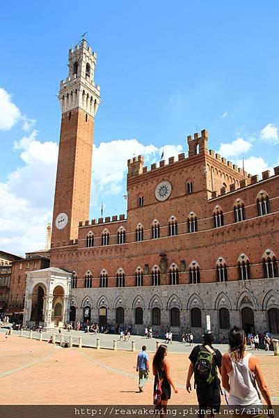 0805 扇形廣場的地標 曼賈塔 Torre del Mangia