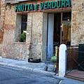0805 賣新鮮青菜水果的老婆婆的小店