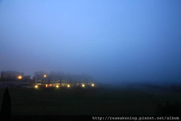 0807 後來竟然起了大霧 只好很惆悵地滾回去睡覺