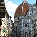 0809 人好多呀 這是Florence 給我們的第一印象