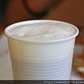 0809 比較可惜的是咖啡用免洗杯裝啦....