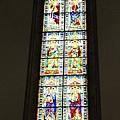0809 巨型的彩繪玻璃窗 這個教堂裡 甚麼都好大