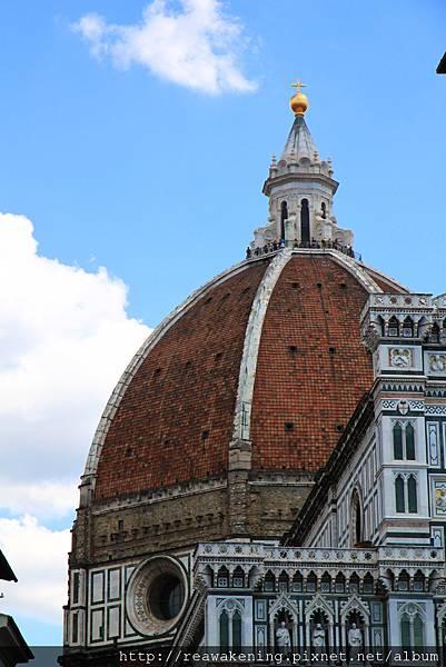 0809 到囉 看到了聖母百花大教堂圓頂
