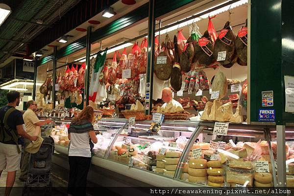 0809 國外最厲害的 就是這種臘肉與起司的店 真是琳瑯滿目