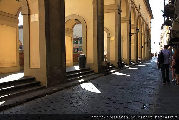 0809 從烏菲茲美術館走往舊橋的走廊 2