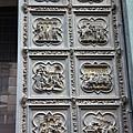 0809 聖喬凡尼洗禮堂的門  上面都是聖經故事的浮雕