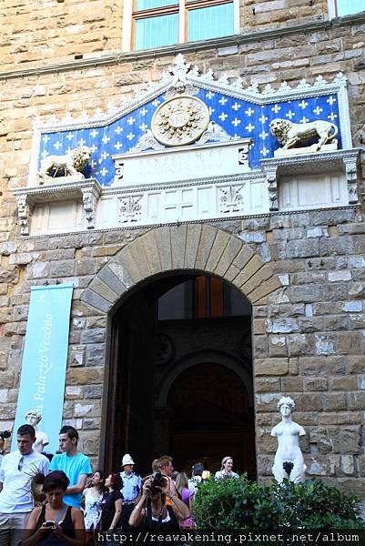 0809 維奇歐宮 舊宮門口 Palazzo Vecchio