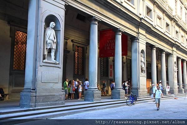 0810 抵達烏菲茲美術館囉 Galleria degli Uffizi