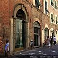 0811 Lucca 街景 街上偶見零星的遊客