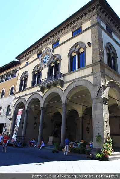 0811 教堂對面的迴廊
