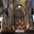 0811 聖米迦勒大教堂 內部 光線很暗