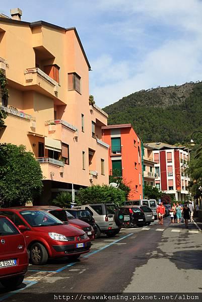 0812 Monterosso 走進小巷子裡