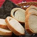 0812 來囉 桌布麵包