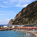 0812 Monterosso. beach