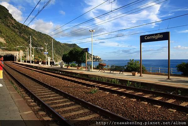 0812 滯留Corniglia火車站 沒看清楚班表 多花了一個小時等車