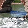 湍急的河水 2.JPG
