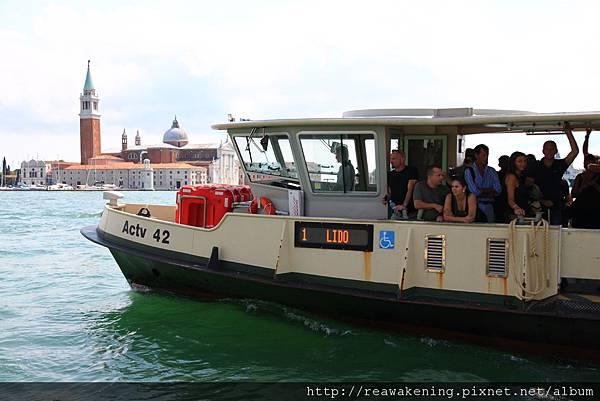0815 對向的公船 1號船開往麗多島 Lido