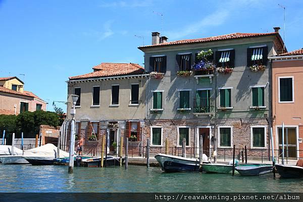 0816 經過Murano時 因為實在坐了太久 決定跳過這個島不下去了