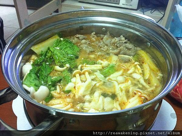 111204超豪華鍋燒麵.JPG