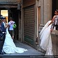 巧遇威尼斯街頭拍婚紗的兩對新人.JPG