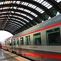 抵達米蘭火車站 新穎又高級.JPG