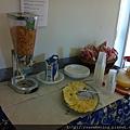 0731 麥片 牛奶 cheese 和果汁