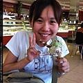 0807 小鎮上的巨大冰淇淋