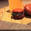 120227 猜一下那個漢堡要幹啥用