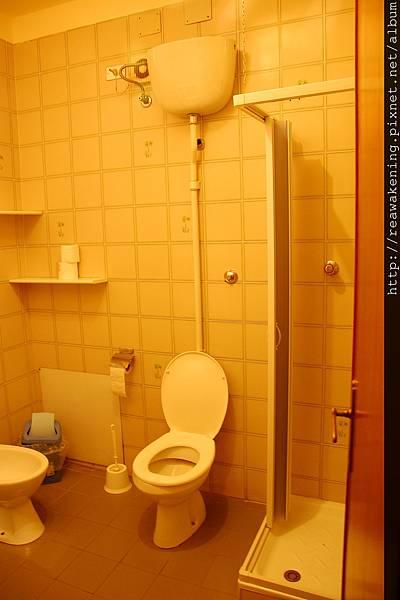 0809 浴室的空間很大