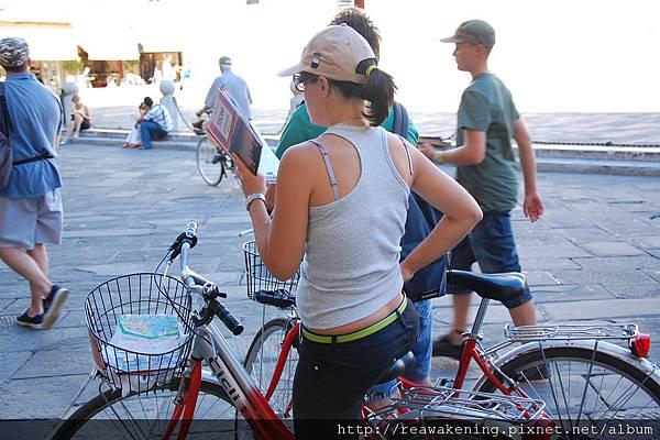 0811 有好多人騎腳踏車旅遊喔