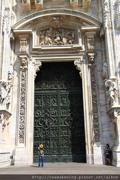 米蘭大教堂--正門 2