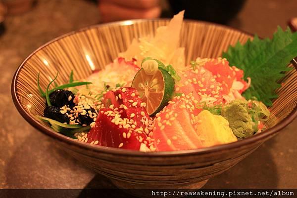 120726 來了 我的什錦生魚蓋飯