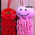 2012_06_05 笑翻天之草莓與水蜜桃擦手巾3