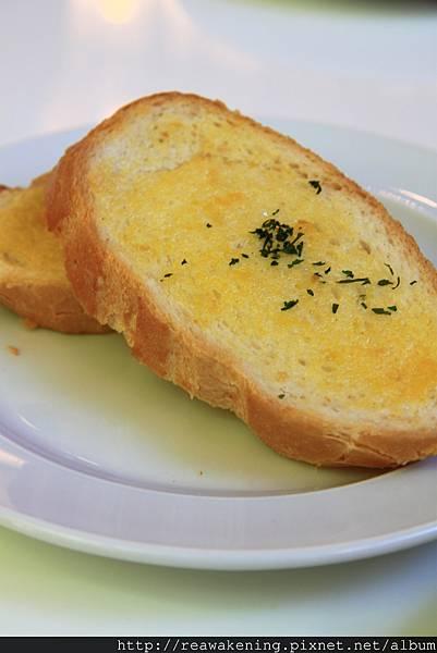 082012 這個麵包超好吃的