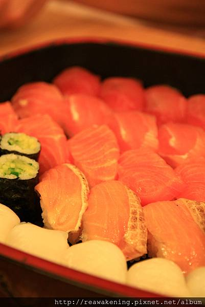 083112 好難得有機會一口氣吃這麼多壽司