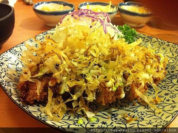 2012_08_10 主角來囉 章魚燒豬排