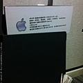 2012_06_07 每張桌子旁都貼有小紙條