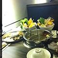 2012_06_07 擺了一整桌很豐盛的樣子