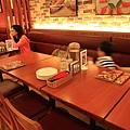 120916 看來滿適合家庭聚餐的空間