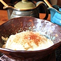 主菜豆腐花 要加醬油和蔥花攪拌