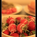 0102 淋上煉乳的草莓 簡直是人間美味