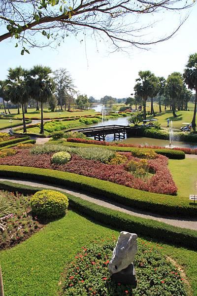 綠園其實是度假村 可以打高爾夫球