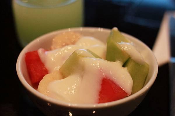 幫助消化的水果優格
