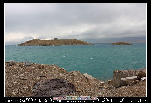 很漂亮但超級冷的賽里木湖 外加下雨