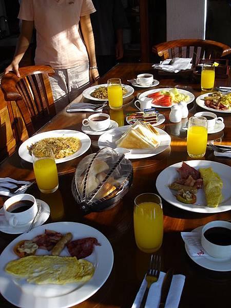 又是超豐盛的早餐.JPG