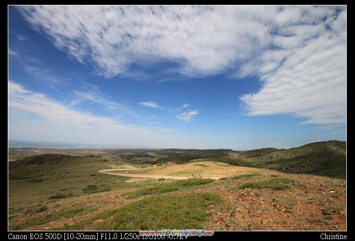不知名的景點--但由山坡往下看很美