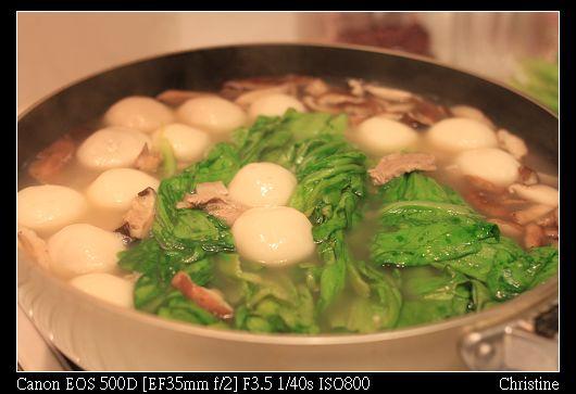 1221 煮了好大一鍋鹹湯圓