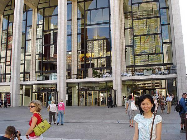 Lincoln Center門口