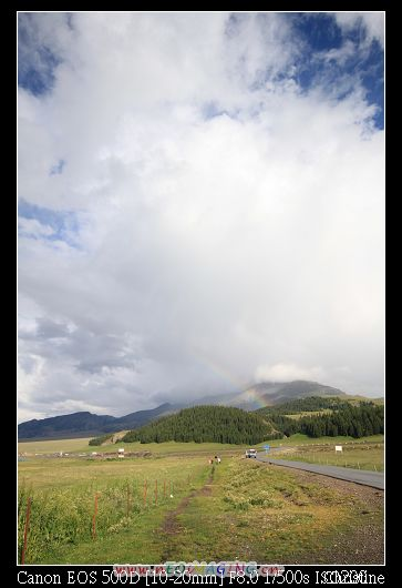 遠方又再度出現了彩虹